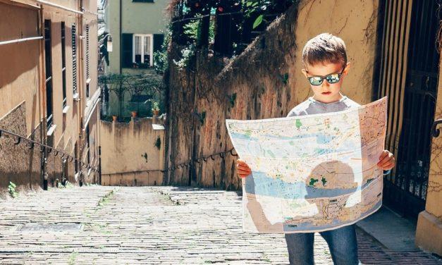 Met Pharos en de kinderen Europa rond